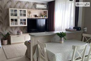 Продается 3-комнатная квартира 96 кв. м в Киеве