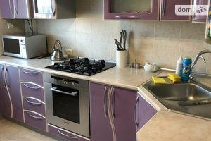 Продается 3-комнатная квартира 64 кв. м в Кропивницком