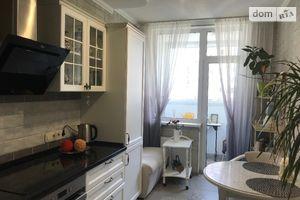 Продається 1-кімнатна квартира 50.4 кв. м у Києві