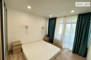 Продается 4-комнатная квартира 83 кв. м в Ирпене
