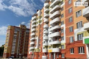 Продается 3-комнатная квартира 77.4 кв. м в Тернополе