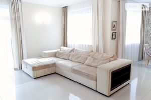 Продається одноповерховий будинок 215 кв. м з садом
