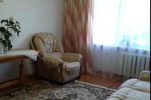 Куплю трехкомнатную квартиру на Гречанах без посредников